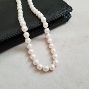 Jewelry - Genuine pearl strand necklace knotted silver clasp